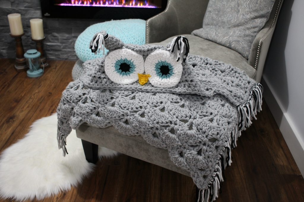 hooded owl blanket 1