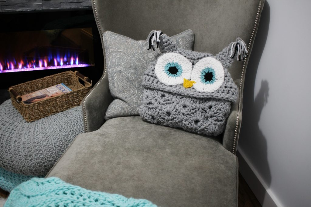 Viral Hooded Owl Blanket! - MJ\'s off the Hook Designs