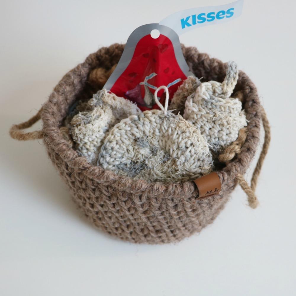 crochet gift basket