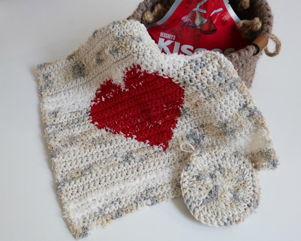 crochet heart dishcloth