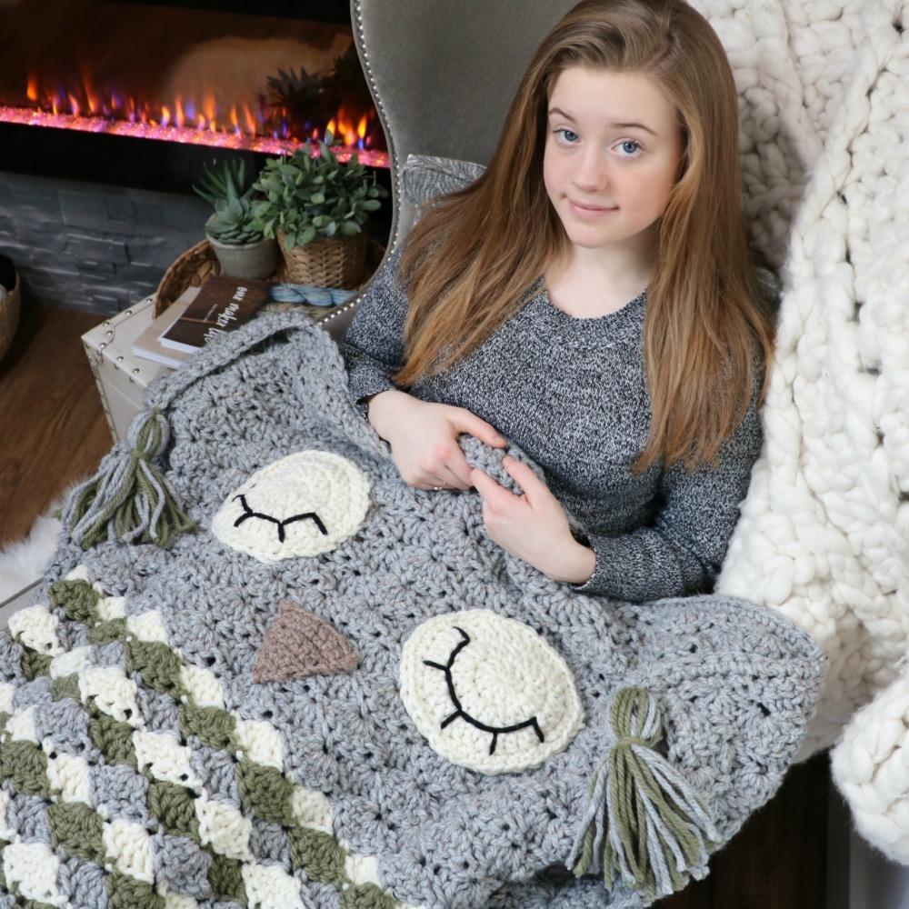 Sleepy Owl Cocoon Blanket