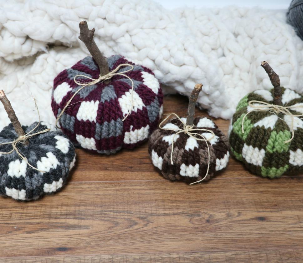 Bulky & Quick Plaid Pumpkins