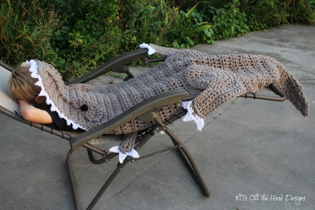 T-Rex crochet blanket