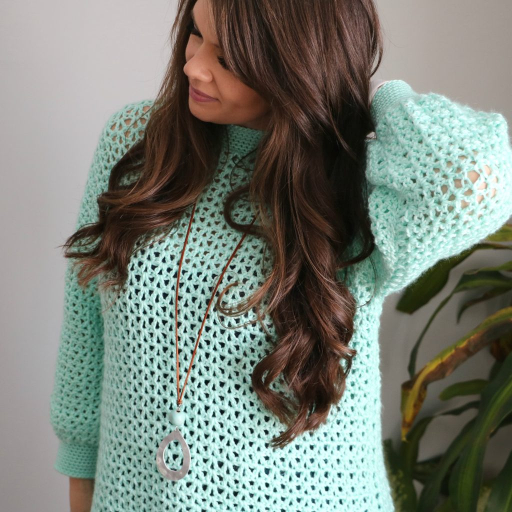 Mint to V pullover