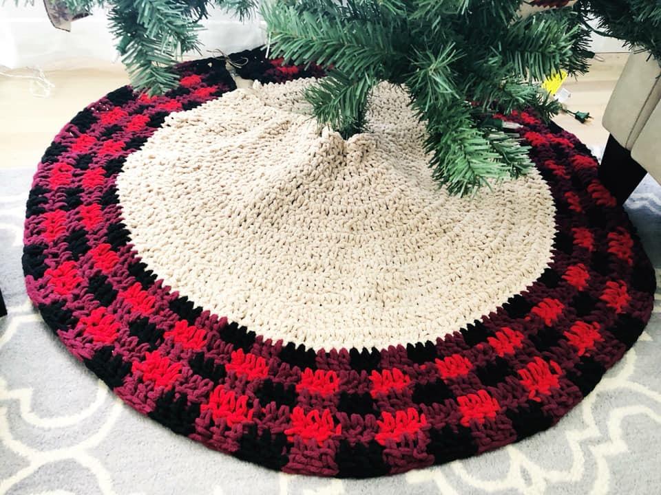 Crochet Buffalo Plaid Tree Skirt & Pillow Cover