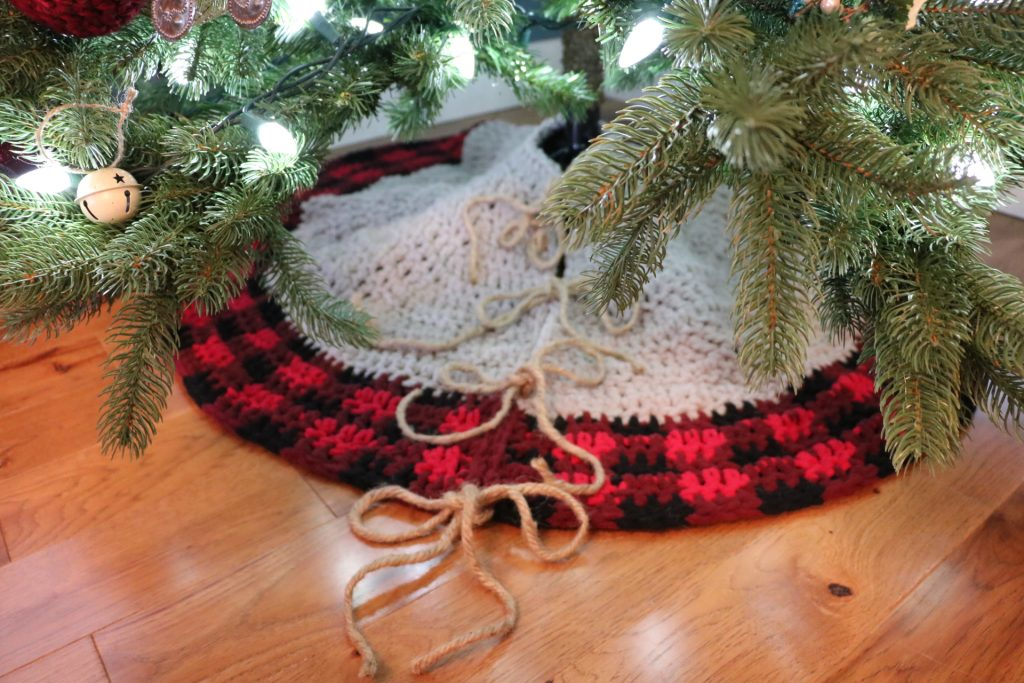 Crochet Buffalo Plaid Tree Skirt Pillow Cover Mj S Off The Hook Designs