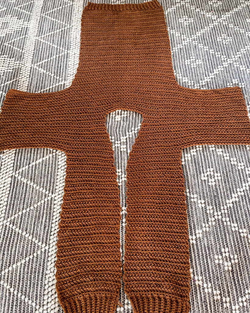 one-piece cardigan construction