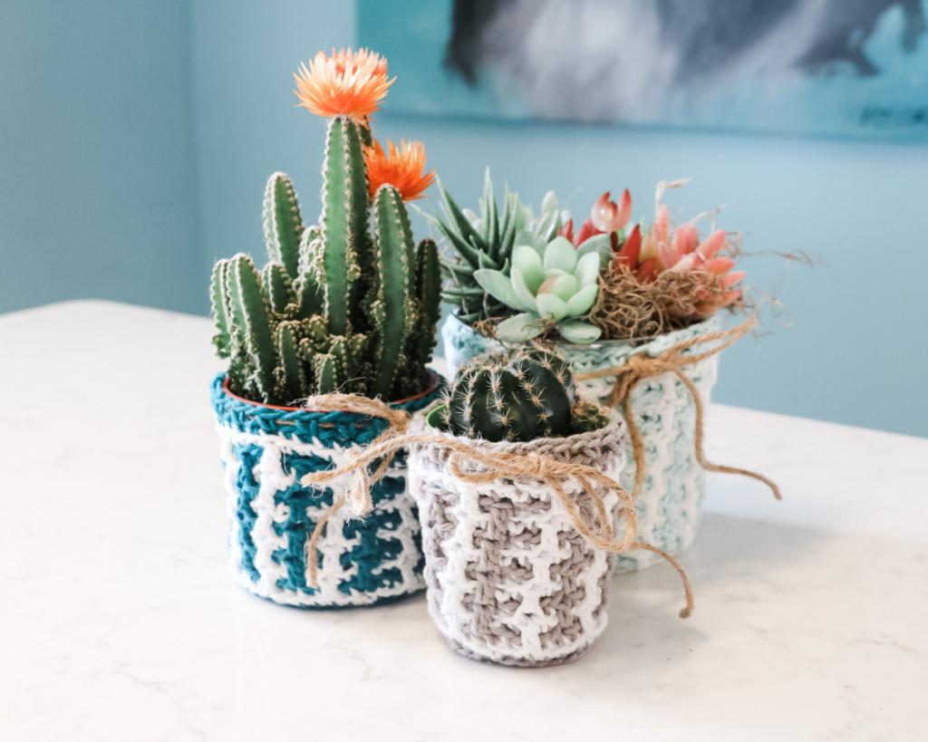 Mosaic plant pot cover